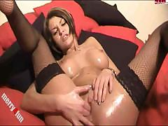 body-lotion-show-with-the-masturbation