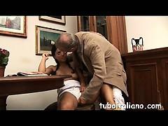 francesca-si-fa-toccare-dal-papy