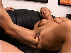 blonde-mature-having-hole-fisted-hard
