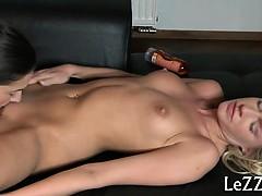 smashing-sexy-lesbo-delights