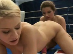 blonde-girl-gets-her-pussy-played-with