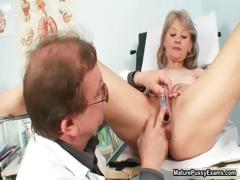 pink-mature-pussy-gets-examed-part2