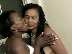 2-old-black-moms-fuckin