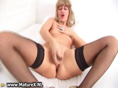 horny-mature-housewife-with-golden-part5