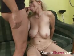 horny-old-housewife-june
