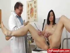 gray-oma-mama-old-hairy-pussy-inspection